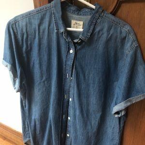 Gap button down chambray shirt size M